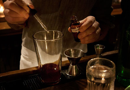 Mixing cocktails with bitters