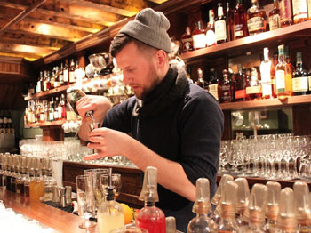 Cocktail bar mixologist